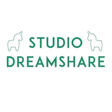Two unicorns: Studio Dreamshare_logo