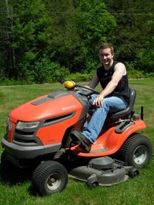 <b>Philip Mullin: Mullin Lawn Maintenance 2011</b><br />Phil offers complete lawn maintenance in and around the Killaloe area